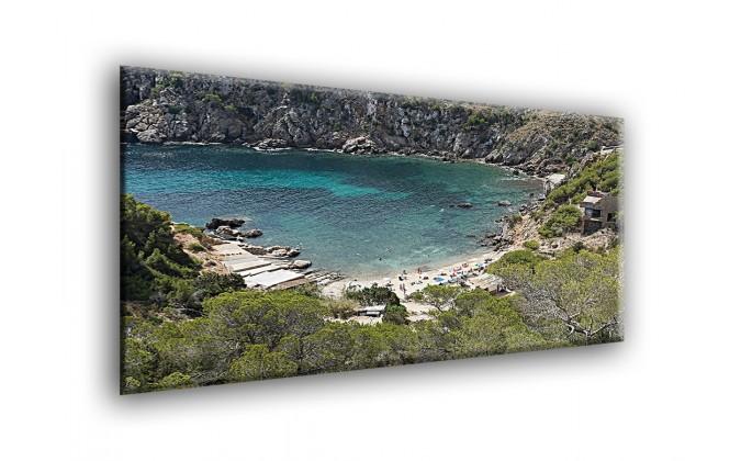 Playa entre acantilados-20034